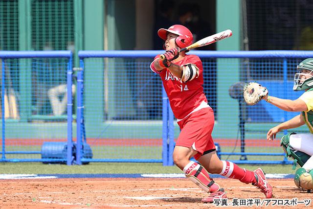 東京2020 ソフトボール(内藤実穂)写真:長田洋平/アフロスポーツ
