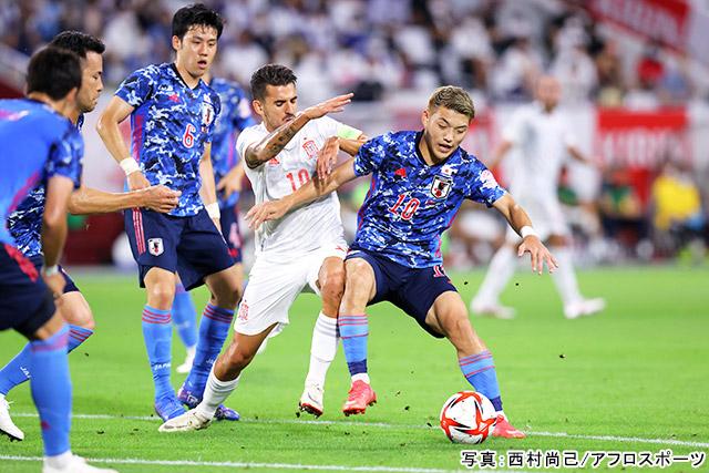 サッカー(堂安律)写真:西村尚己/アフロスポーツ