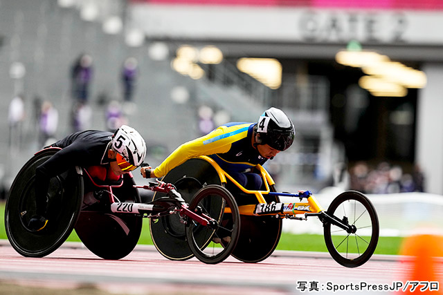 パラ陸上(佐藤友祈)写真:SportsPressJP/アフロ